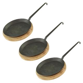 Schmiedeeiserne Brat- und Servierpfanne 3 Stück Ø 28 cm mit Hakenstiel inklusive Servierbrett